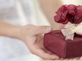 彼氏へのプレゼント スニーカー